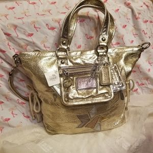 New with Tags! Gold Coach Poppy Purse!